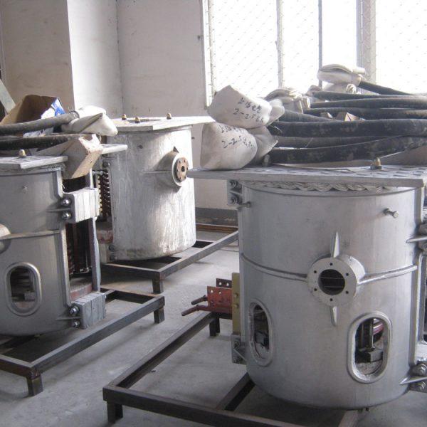 Индукционная тиристорная печь УИ-0.25T-160